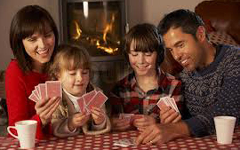 playing-cards-family