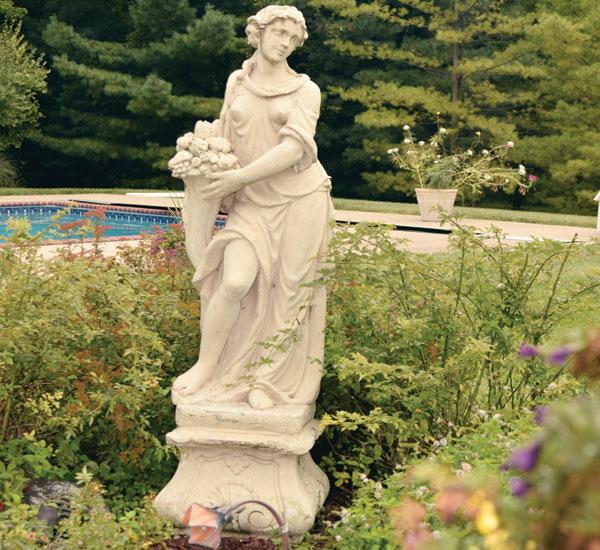 home-tour-statue