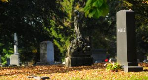 historic-woodlawn-cemetery