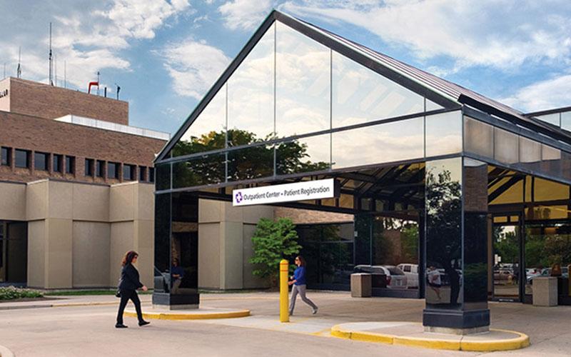 St. Luke's Hospital is seeking Volunteer Valet Shuttle Drivers