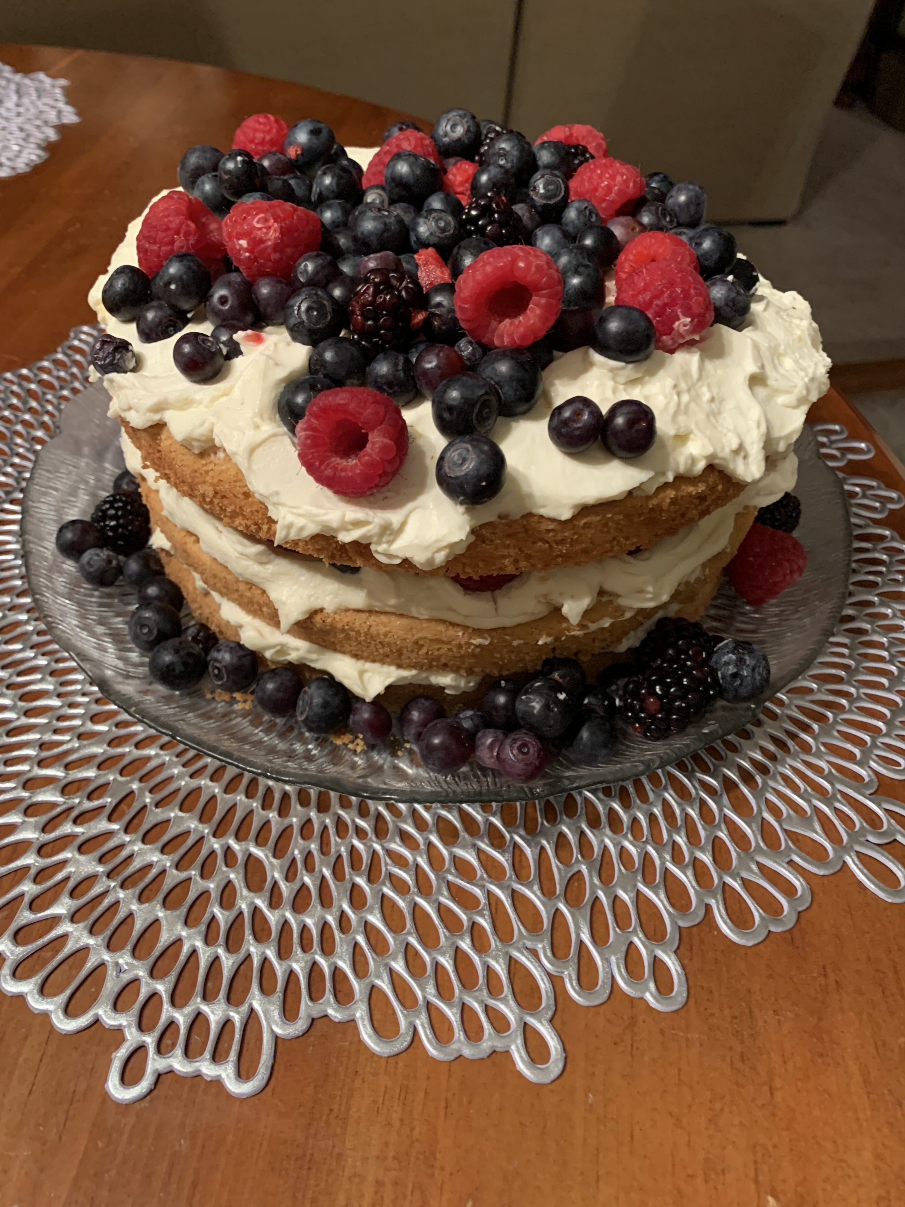 Almond berry cake
